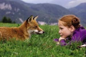 Кадр из фильма Лис и девочка