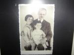 Отто Франк с дочерьми Марго и  Анной