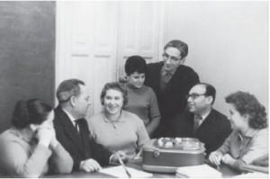 Слева направо: П.И. Зинченко, Г.В. Репкина, Г.П. Григоренко (первая учительница экспериментального класса), В.В. Репкин, Ф.Г. Боданский, Р.В. Скотаренко (учительница экспериментальных классов)
